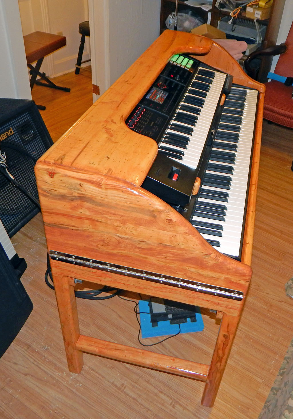 how to build a keyboard stand